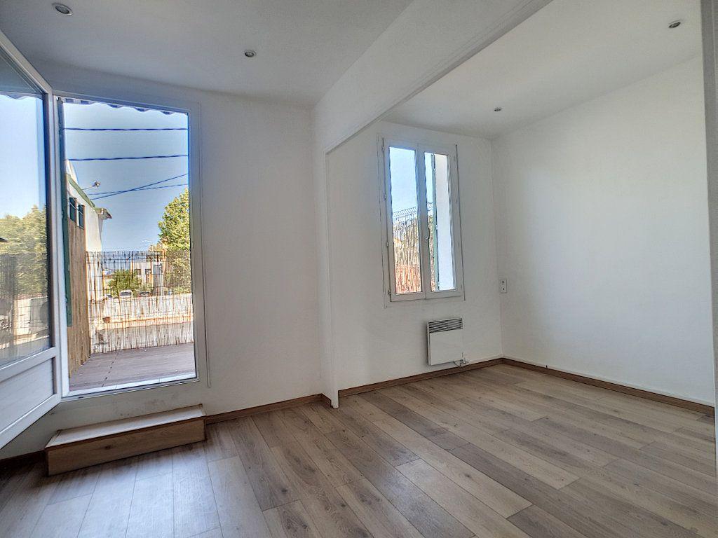 Appartement à louer 2 36.7m2 à La Seyne-sur-Mer vignette-5