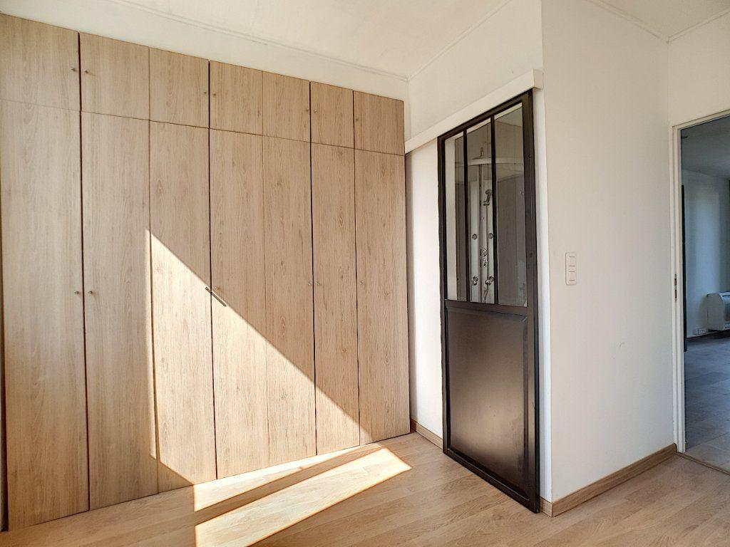 Appartement à louer 2 36.7m2 à La Seyne-sur-Mer vignette-6