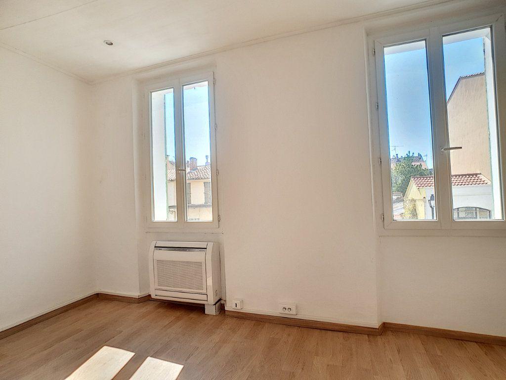 Appartement à louer 2 36.7m2 à La Seyne-sur-Mer vignette-9