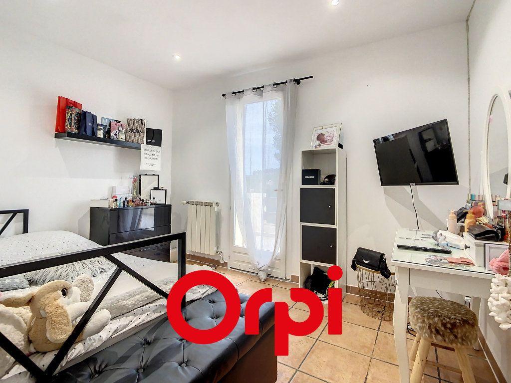 Maison à vendre 8 190m2 à Cadolive vignette-7