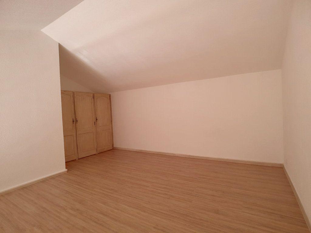 Appartement à louer 3 62.01m2 à Bandol vignette-5
