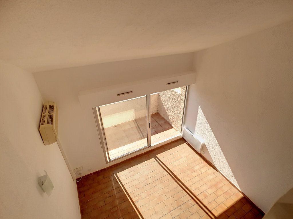 Appartement à louer 3 62.01m2 à Bandol vignette-7