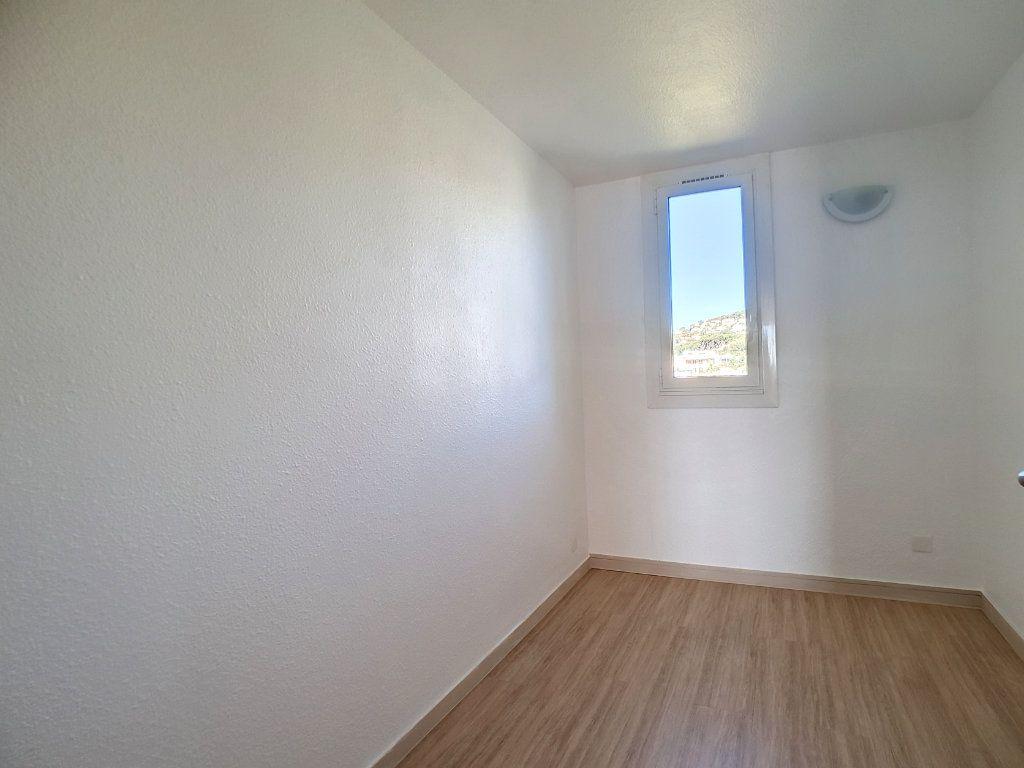 Appartement à louer 3 62.01m2 à Bandol vignette-10
