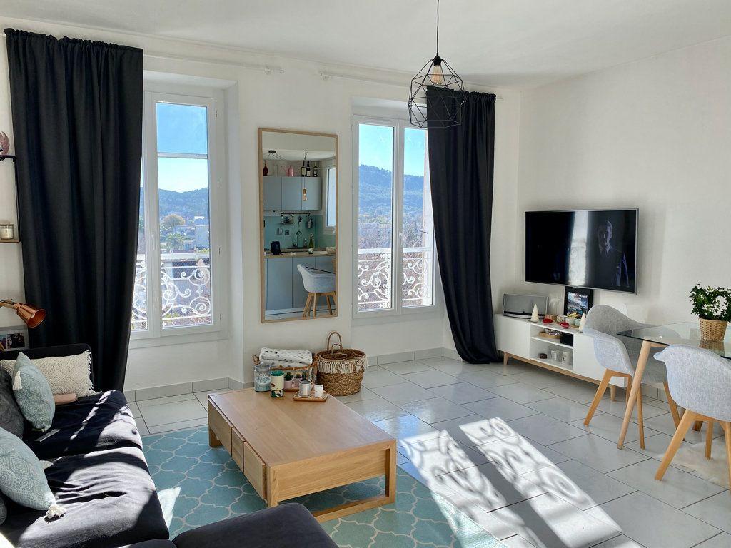 Appartement à vendre 2 48m2 à Saint-Cyr-sur-Mer vignette-1