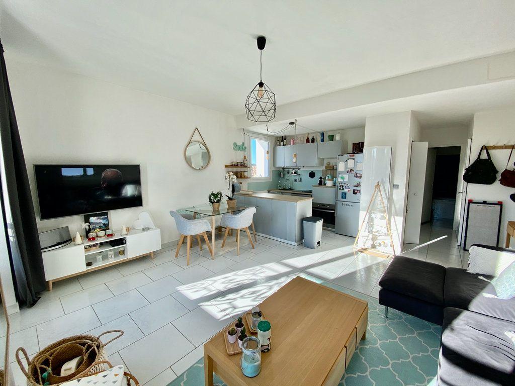 Appartement à vendre 2 48m2 à Saint-Cyr-sur-Mer vignette-3