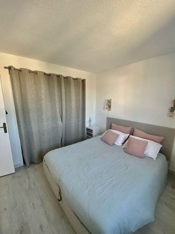 Appartement à vendre 2 48m2 à Saint-Cyr-sur-Mer vignette-5