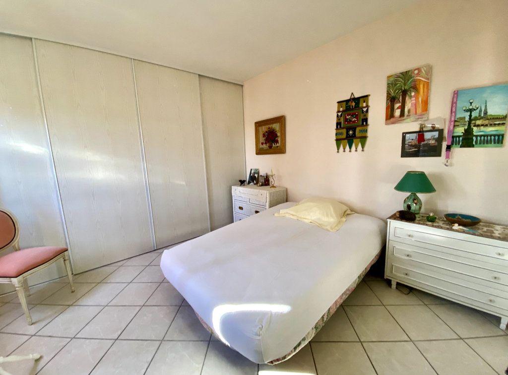 Maison à vendre 13 315m2 à Marseille 13 vignette-5