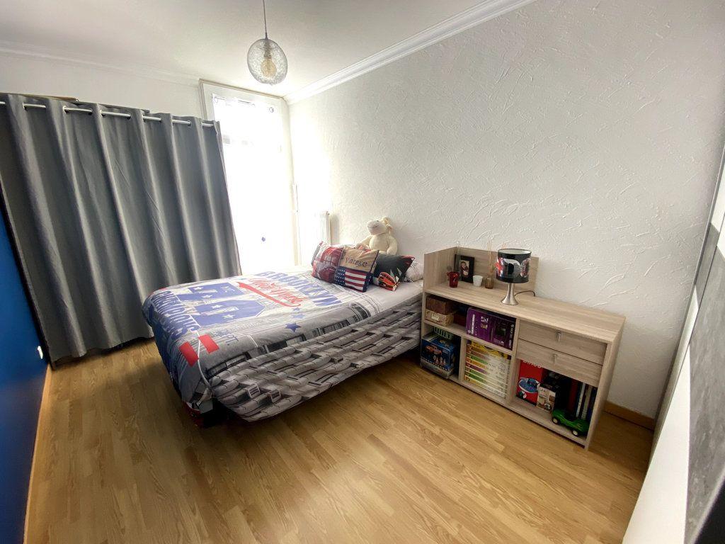 Appartement à vendre 4 81m2 à La Seyne-sur-Mer vignette-6