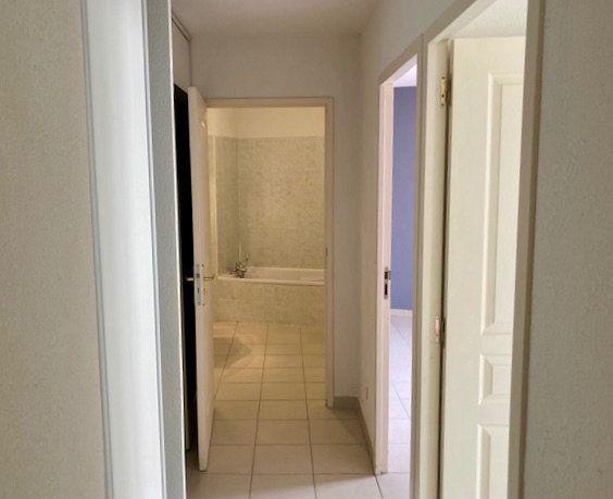 Appartement à vendre 3 60m2 à Le Beausset vignette-2