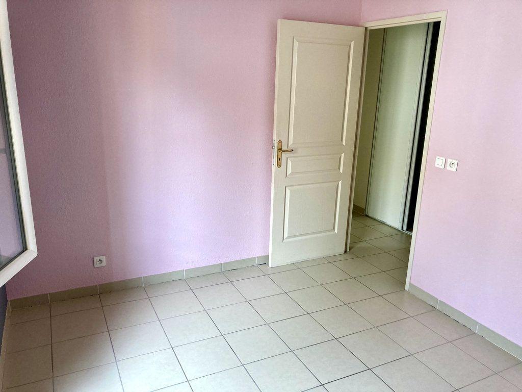 Appartement à vendre 3 60m2 à Le Beausset vignette-3