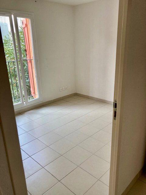 Appartement à vendre 3 60m2 à Le Beausset vignette-4