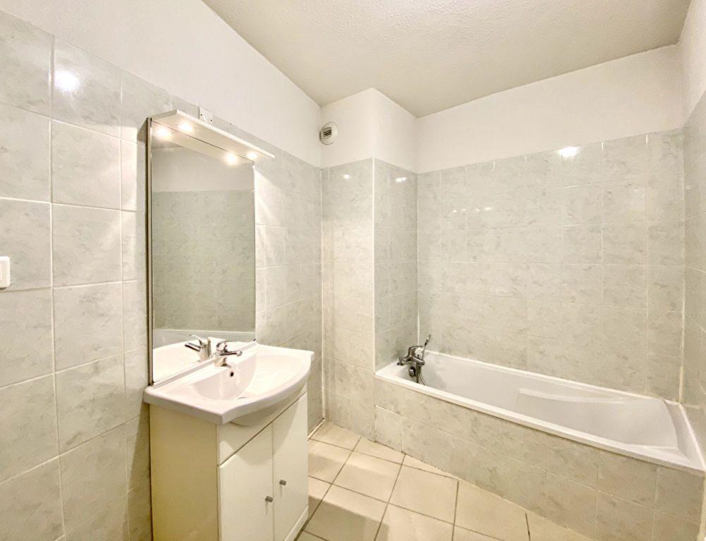 Appartement à vendre 3 60m2 à Le Beausset vignette-5