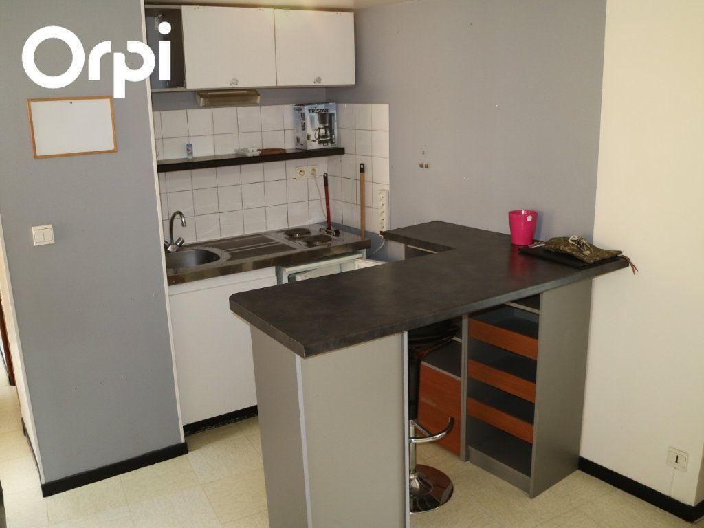 Appartement à louer 2 24m2 à Mende vignette-1