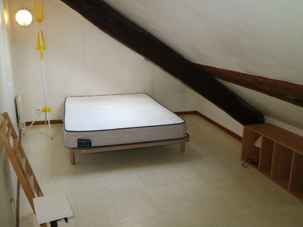 Appartement à louer 2 24m2 à Mende vignette-6