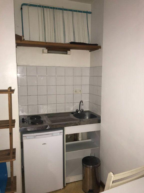 Appartement à louer 1 16m2 à Mende vignette-4