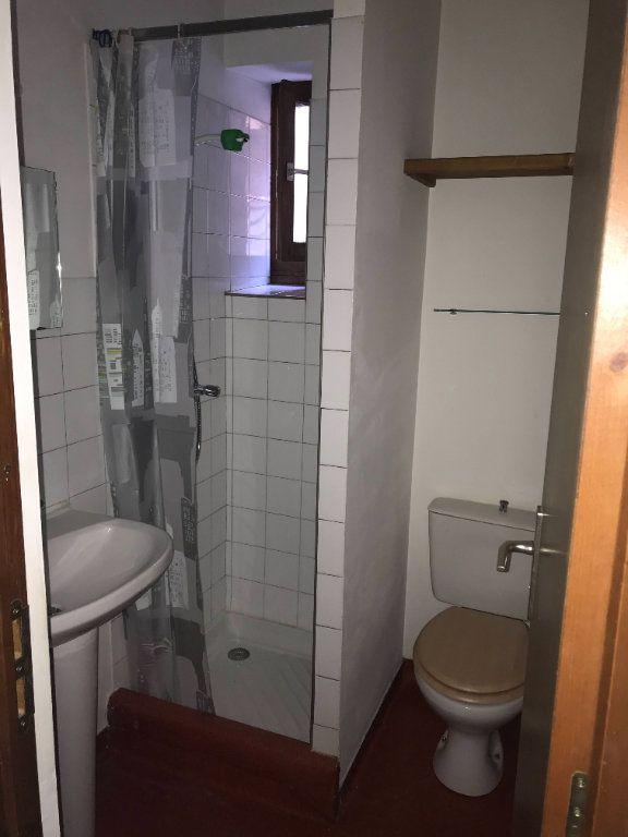 Appartement à louer 1 16m2 à Mende vignette-7