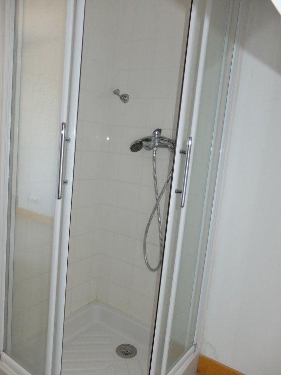 Appartement à louer 1 15m2 à Mende vignette-7