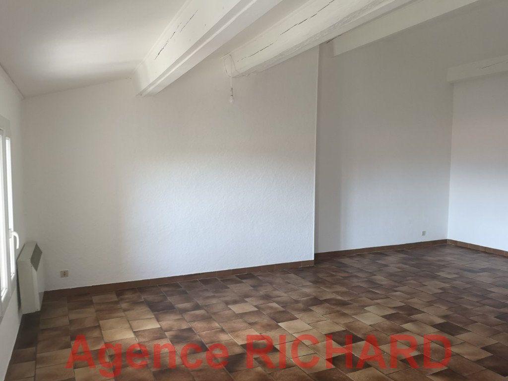 Appartement à louer 1 46m2 à Six-Fours-les-Plages vignette-2