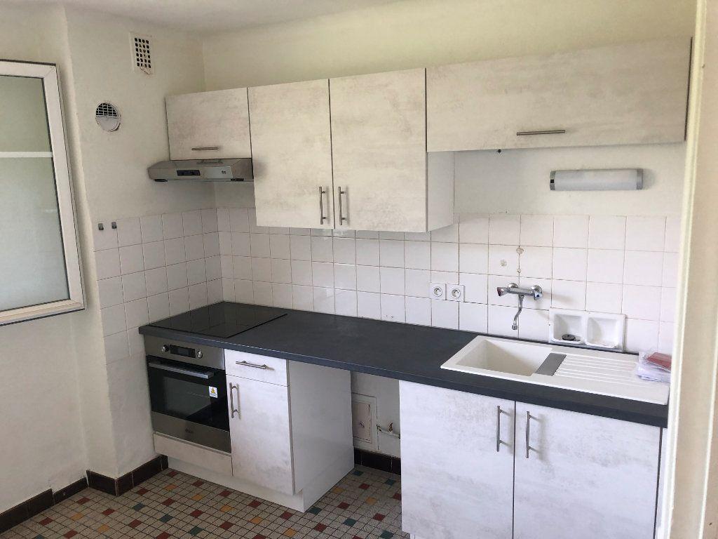 Appartement à louer 3 64m2 à Mende vignette-2