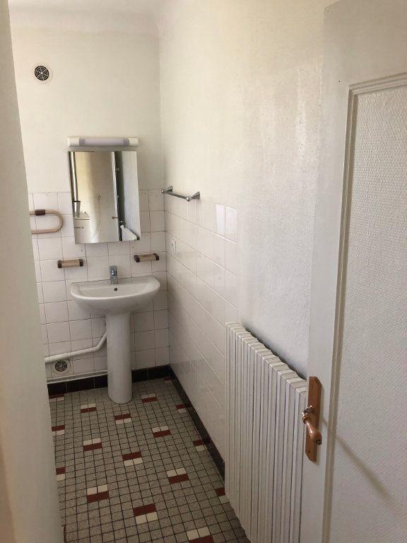 Appartement à louer 3 64m2 à Mende vignette-6
