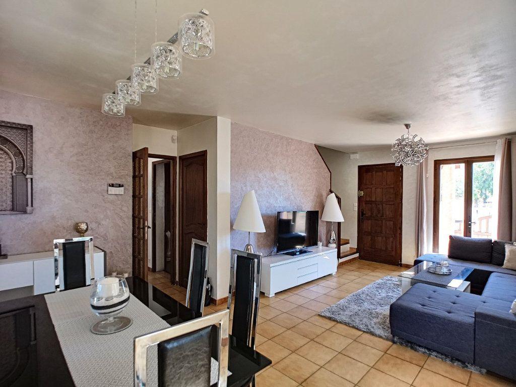 Maison à vendre 4 100m2 à La Seyne-sur-Mer vignette-1