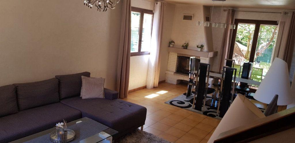 Maison à vendre 4 100m2 à La Seyne-sur-Mer vignette-3