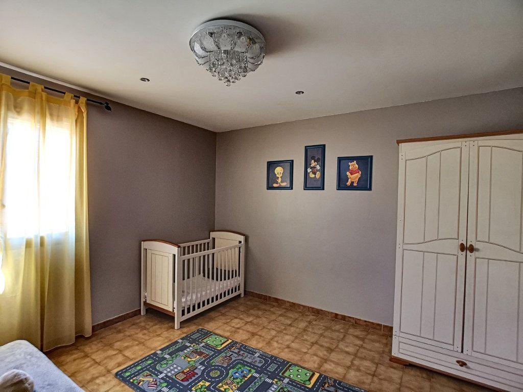 Maison à vendre 4 100m2 à La Seyne-sur-Mer vignette-4