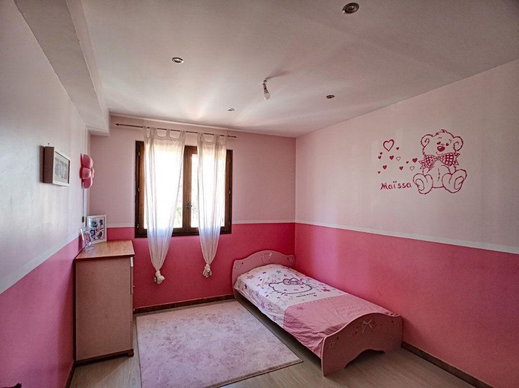 Maison à vendre 4 100m2 à La Seyne-sur-Mer vignette-6
