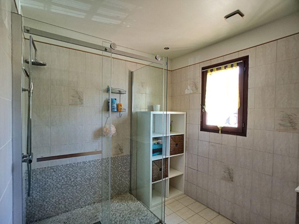 Maison à vendre 4 100m2 à La Seyne-sur-Mer vignette-7