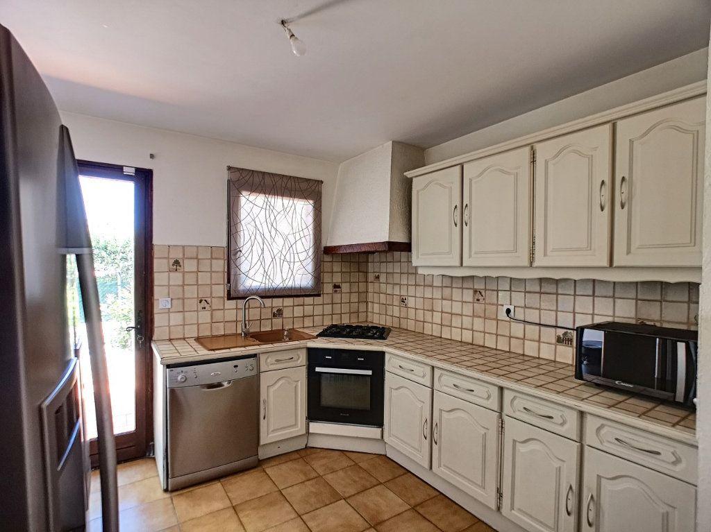 Maison à vendre 4 100m2 à La Seyne-sur-Mer vignette-9