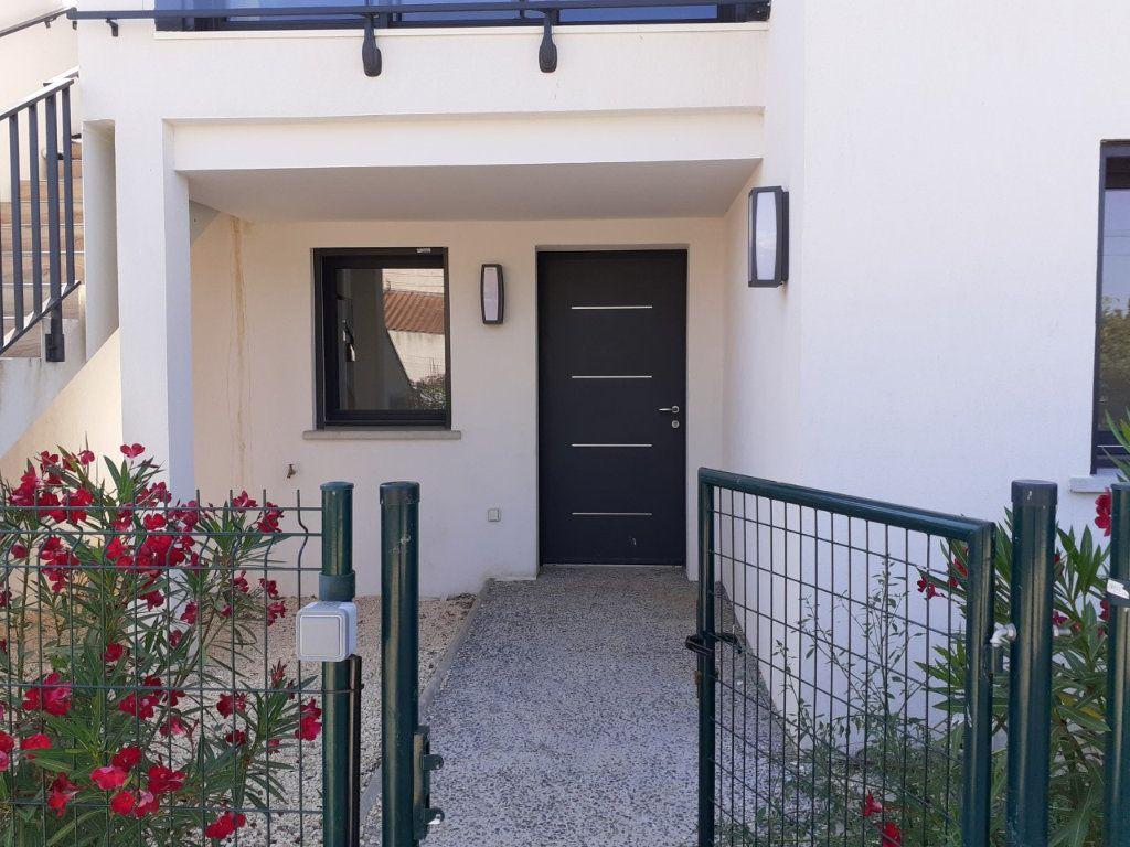 Appartement à louer 3 68m2 à La Seyne-sur-Mer vignette-1
