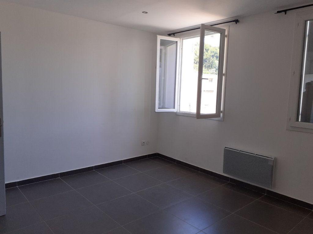 Appartement à louer 3 68m2 à La Seyne-sur-Mer vignette-4