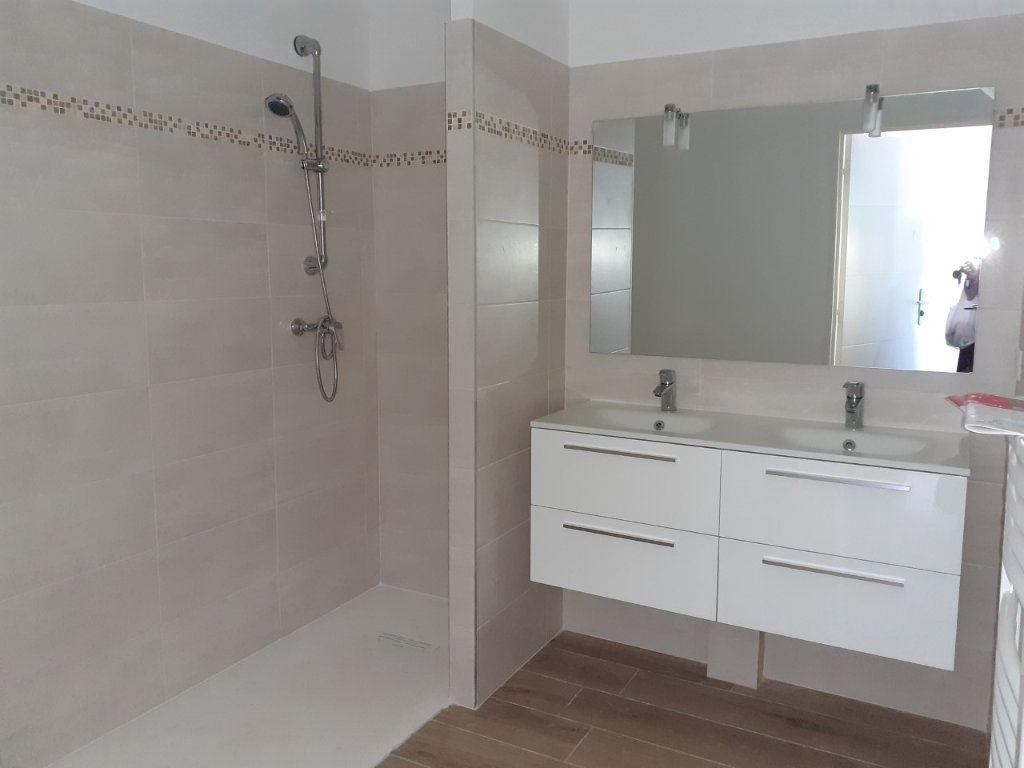 Appartement à louer 3 68m2 à La Seyne-sur-Mer vignette-6
