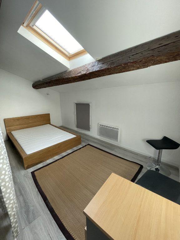 Appartement à louer 2 43m2 à Six-Fours-les-Plages vignette-2