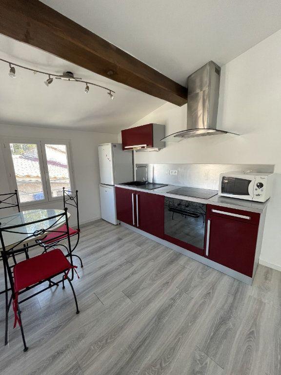 Appartement à louer 2 43m2 à Six-Fours-les-Plages vignette-7
