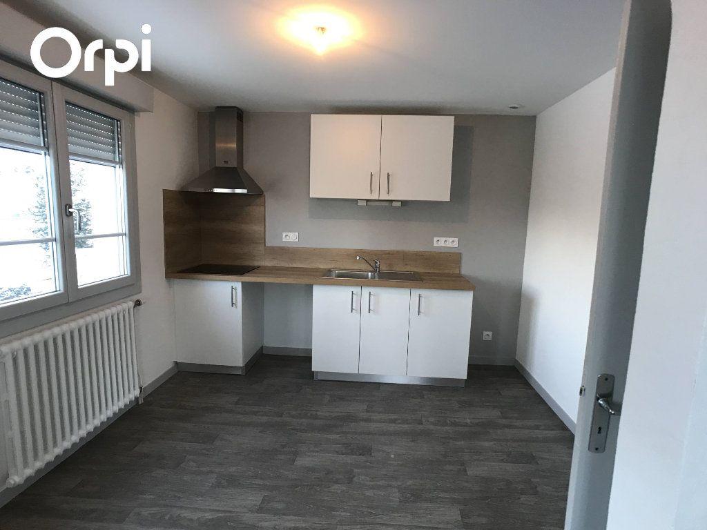 Appartement à louer 3 65m2 à Mende vignette-1