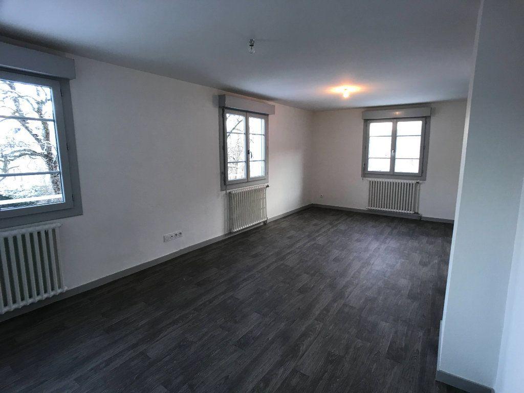 Appartement à louer 3 65m2 à Mende vignette-2