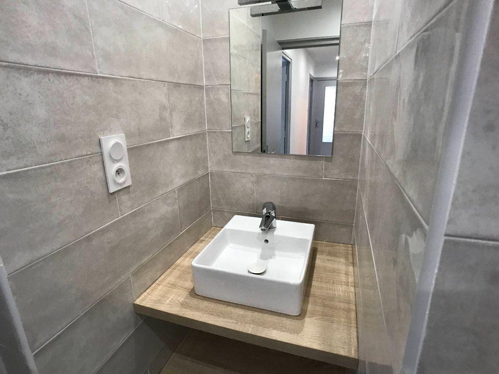 Appartement à louer 3 65m2 à Mende vignette-5