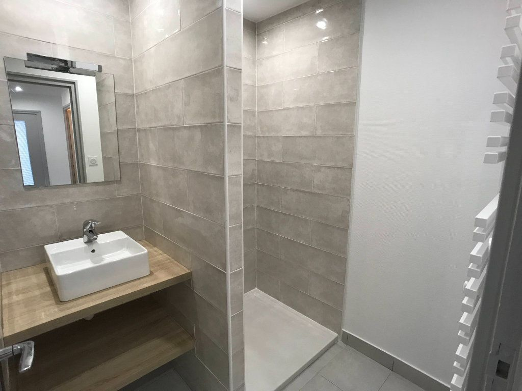 Appartement à louer 3 65m2 à Mende vignette-6