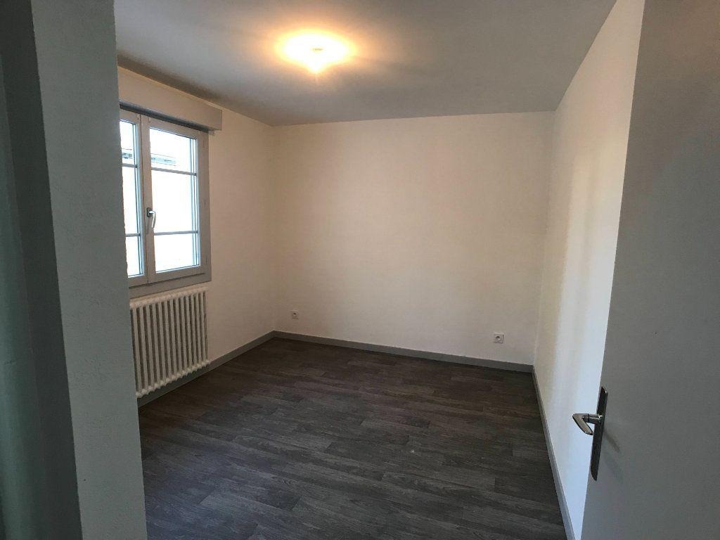 Appartement à louer 3 65m2 à Mende vignette-9