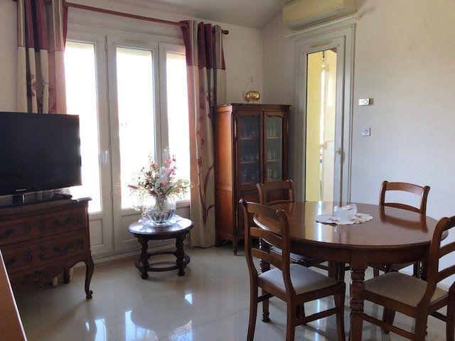 Appartement à vendre 2 46.3m2 à Six-Fours-les-Plages vignette-2
