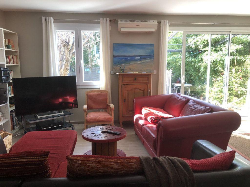 Maison à vendre 4 100m2 à Six-Fours-les-Plages vignette-5