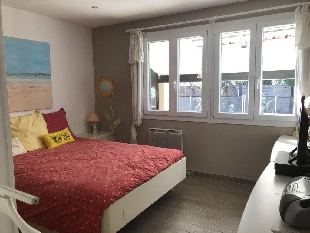 Maison à vendre 4 100m2 à Six-Fours-les-Plages vignette-7