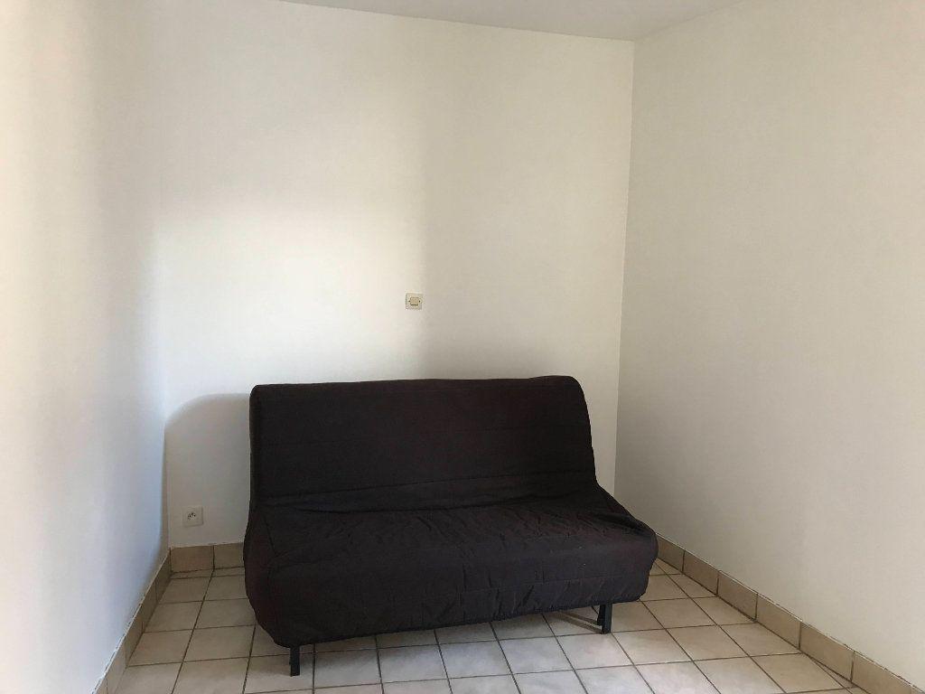 Appartement à louer 1 18m2 à Marvejols vignette-3