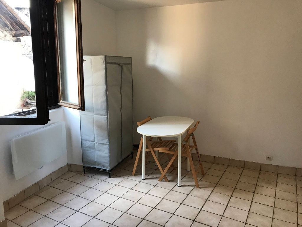 Appartement à louer 1 18m2 à Marvejols vignette-4