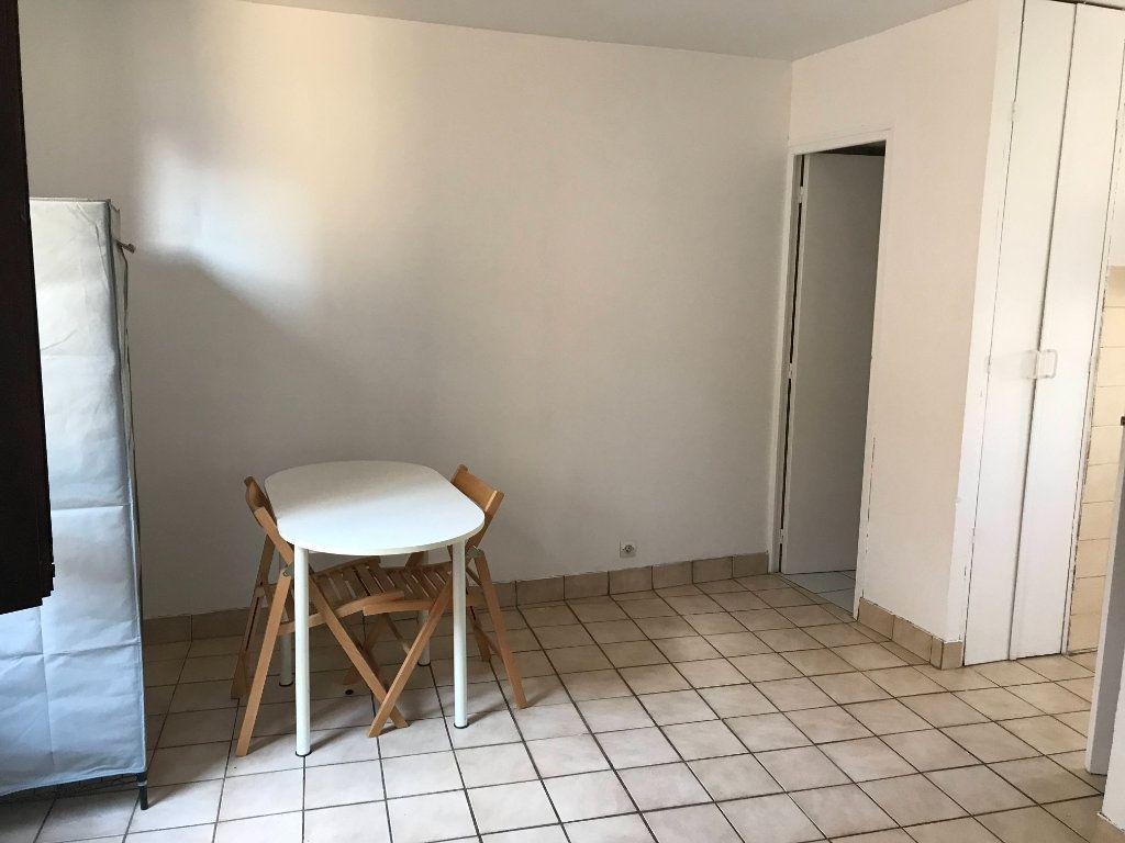 Appartement à louer 1 18m2 à Marvejols vignette-5