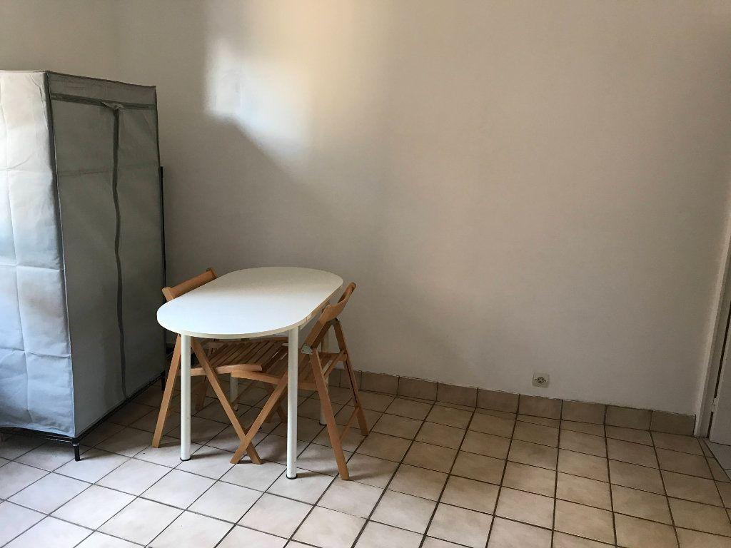 Appartement à louer 1 18m2 à Marvejols vignette-6