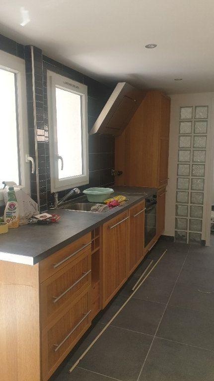 Appartement à louer 2 30m2 à Six-Fours-les-Plages vignette-2