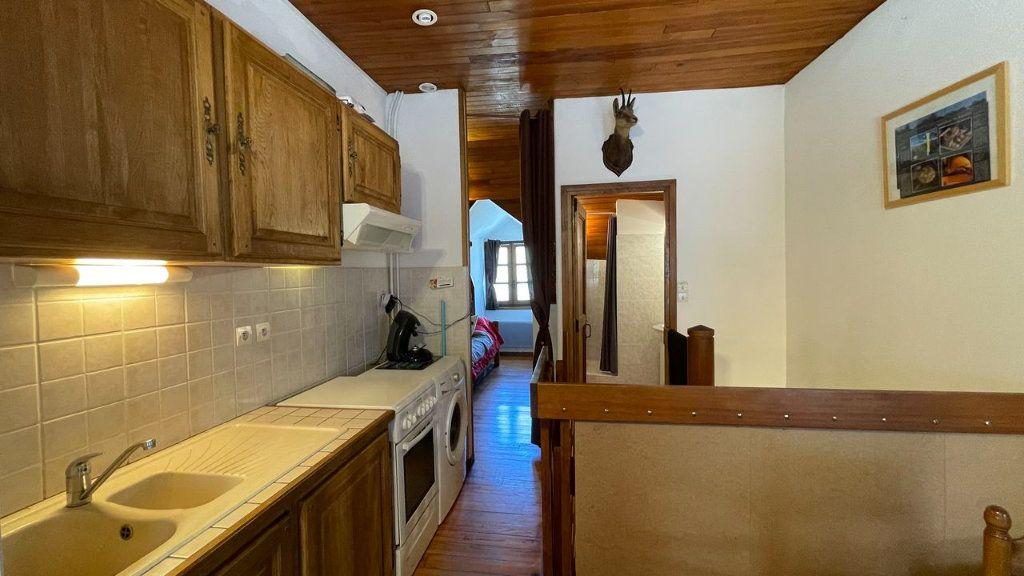 Appartement à vendre 2 30m2 à Bagnols-les-Bains vignette-12
