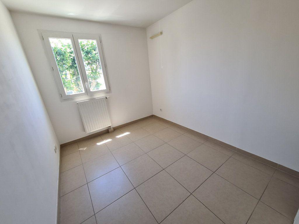 Appartement à vendre 3 60m2 à Ollioules vignette-5